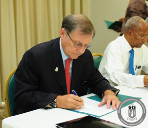 Governor Signs MOUs with BVIAA & IABVI
